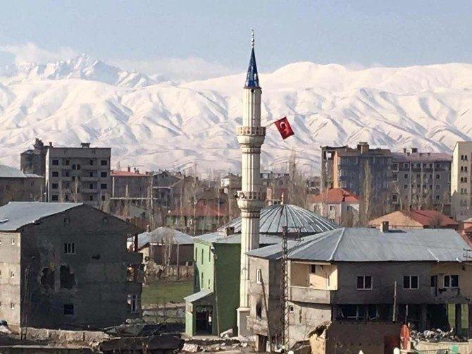 """PKK'nın """"Gitarcı"""" Diye Bilinen 2 Keskin Nişancısı Etkisiz Hale Getirildi"""