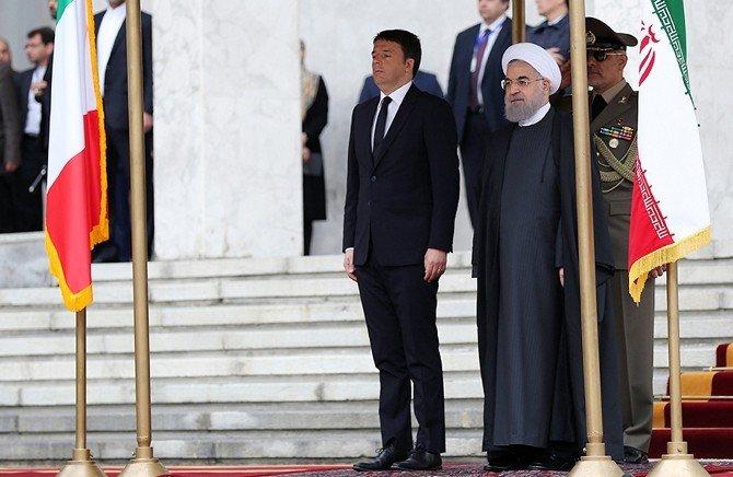 İtalya Başbakanı Renzi, İran'da Resmi Törenle Karşılandı