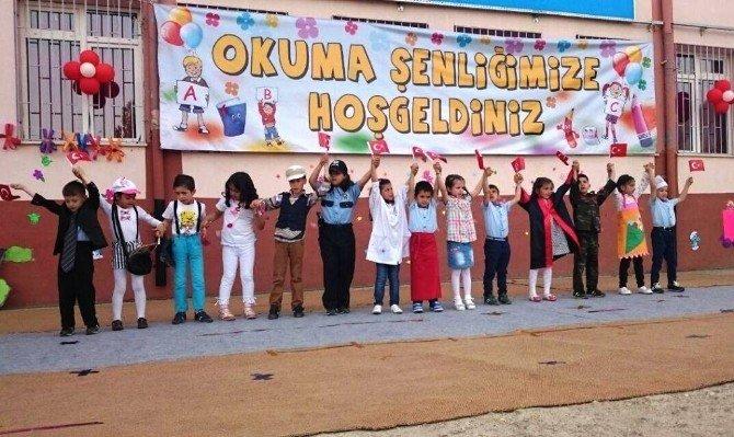 Beydağ'da, Okuma-yazma Öğrenen Minikler İçin Okuma Şenliği