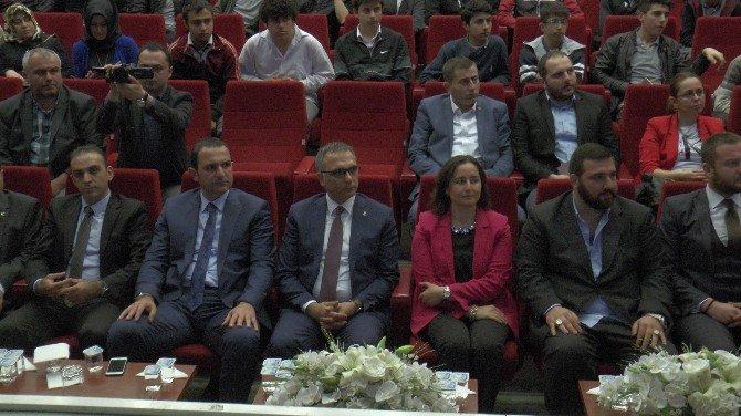 """Osmanoğlu: """"Dedelerimiz Kafa Çekerek Değil, Besmele Çekerek Kazanmış Bu Toprakları"""""""