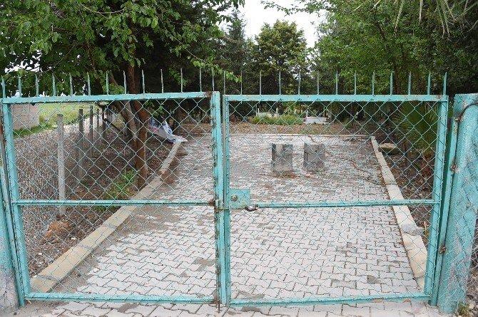 Özgecan'ın Katilinin Cenazesini Anneannesinin Köyü De Kabul Etmedi