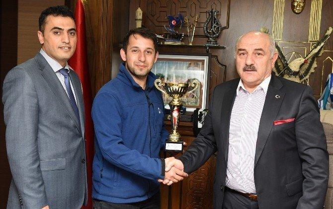 Büyükşehir, Masa Tenisinde Namağlup Şampiyon Oldu