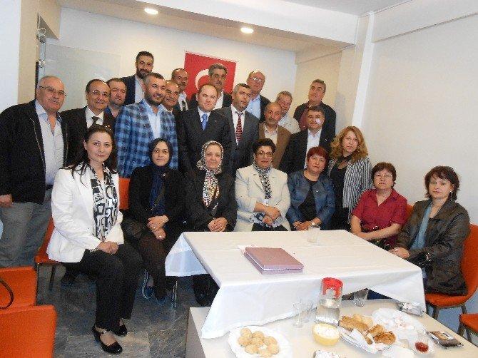 MHP Eskişehir İl Teşkilatından Eskişehir'deki 'Emirdağlılar Vakfı'na Ziyaret