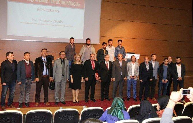 NEÜ'de Yakın Coğrafyamız Büyük Ortadoğu Konulu Konferans Düzenlendi