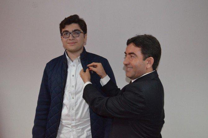 YGS'de Dereceye Giren Öğrenciye Ödül Verildi