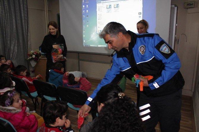 Öğrencilerden Polise Ziyaret