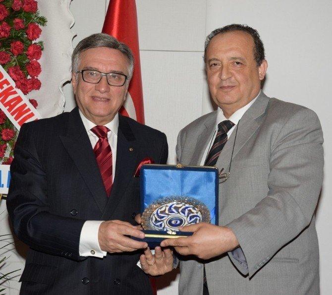 ESOGÜ, Prof. Dr. Hikmet Hassa'yı Törenle Emekliliğe Uğurladı