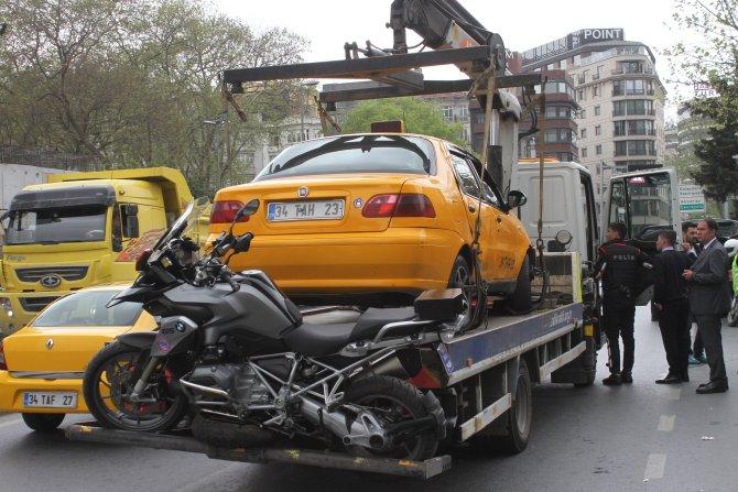 Yunus ekibi kaza yaptı: 2 polis yaralı