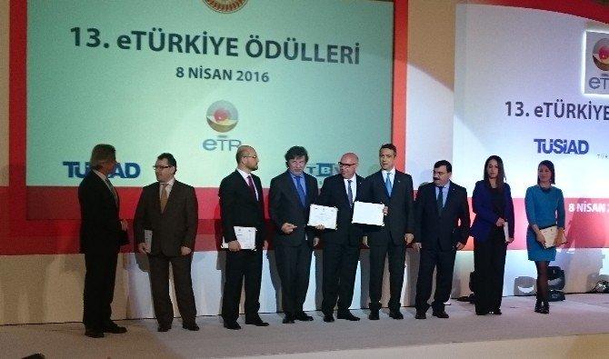 13. Etürkiye Ödül Töreninde Süleymanpaşa Belediyesi'nin İki Projesi Dereceye Girdi