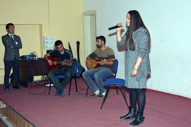 Çatak'ta 'Sen Türkünü Söyle' Yarışması
