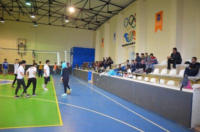 Kurumlararası Bahar Voleybol Turnuvası Başladı