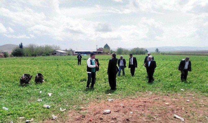 Doludan Hasar Gören Çiftçilerin Hasar Tespiti Yapılıyor
