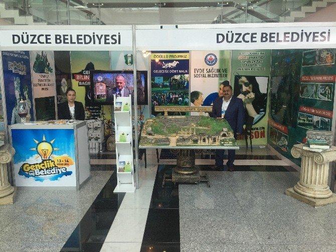 Yerel Yönetimler Sempozyumunda Düzce Rüzgarı Esti