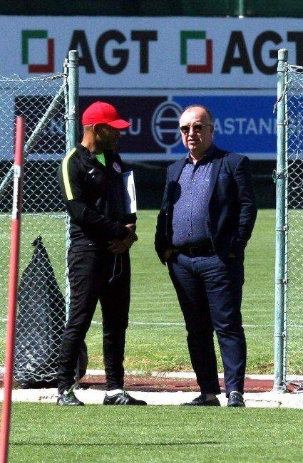 """Samuel ETO'o: """"Galatasaray Avrupa'nın En İyi Takımlarından Biri"""""""