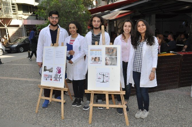 Tıp Öğrencileri Kadın Haklarına Dikkat Çekti