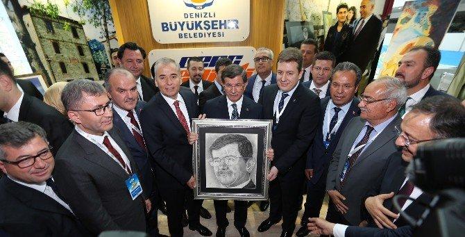 Başbakan Davutoğlu'ndan, Denizli Büyükşehir Belediyesi'ne Ödül