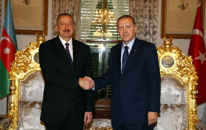 Cumhurbaşkanı Erdoğan Azerbaycan Cumhurbaşkanı Aliyev'le Görüştü