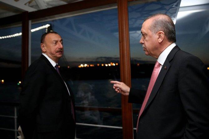 Erdoğan, 13. İslam Zirvesi'ne katılan liderler onuruna akşam yemeği verdi