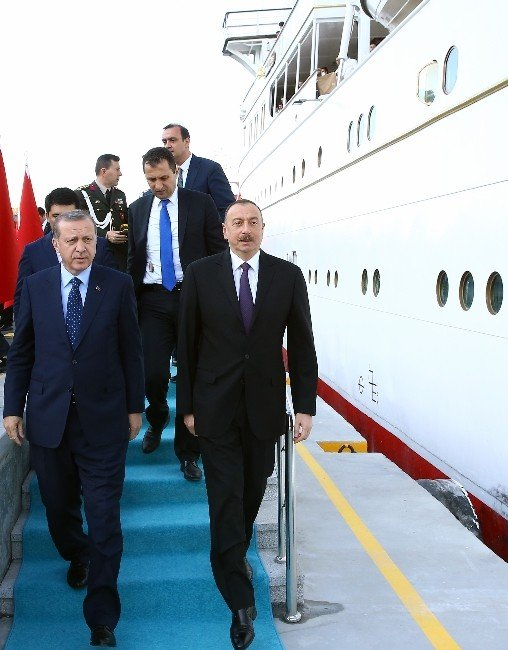 Erdoğan'dan Zirveye Katılan Liderler Onuruna Savarona'da Akşam Yemeği
