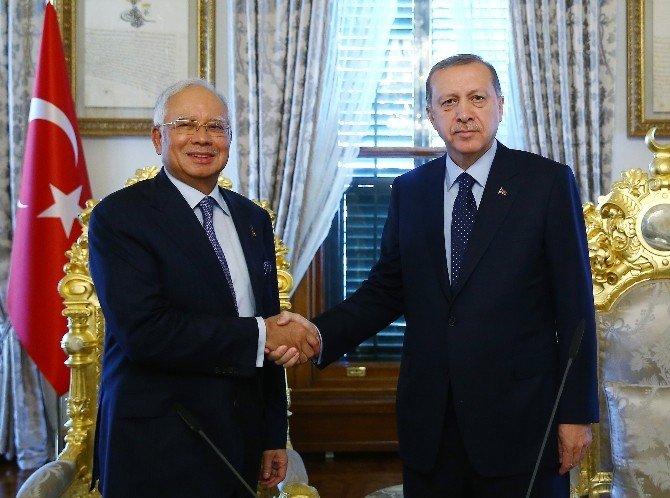 Erdoğan, Malezya Başbakanı Rezak'ı Kabul Etti