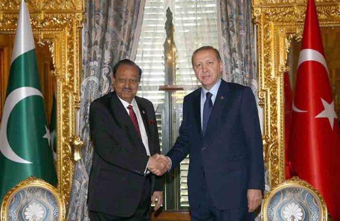 Erdoğan, Pakistan Cumhurbaşkanı Hüseyin ile görüştü