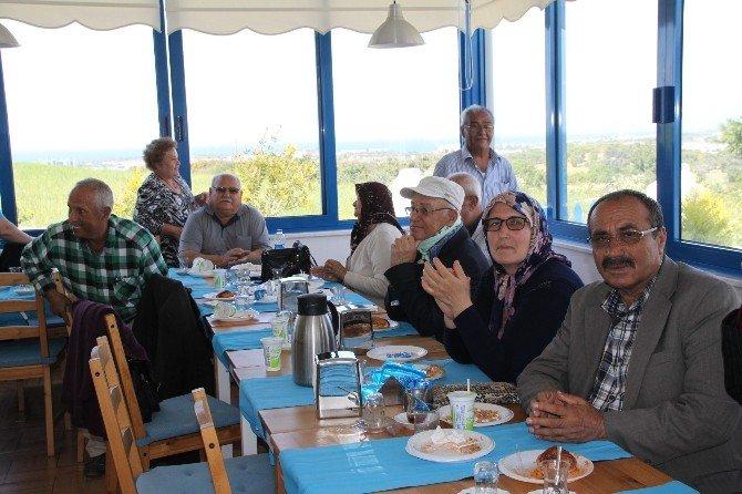 Didim'de Diyaliz Hastaları Ve Aileleri Eğlendi