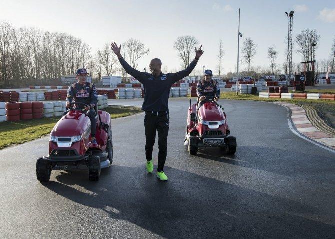 Dünyanın en hızlıları Wings for Life Dünya Koşusu için direksiyona geçiyor