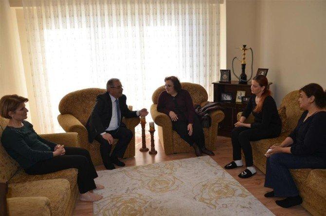 Başkan Özacar'dan Şehit Astsubay Gülünay'ın Ailesine Taziye Ziyareti