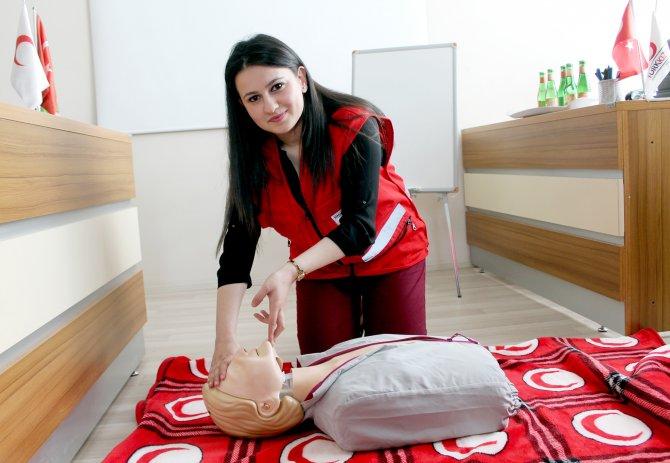 Kızılay, Sivas'ta ilk yardım kursu veriyor