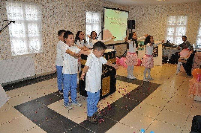 Uyanış Kedem'de Kutlu Doğum Programı Düzenlendi