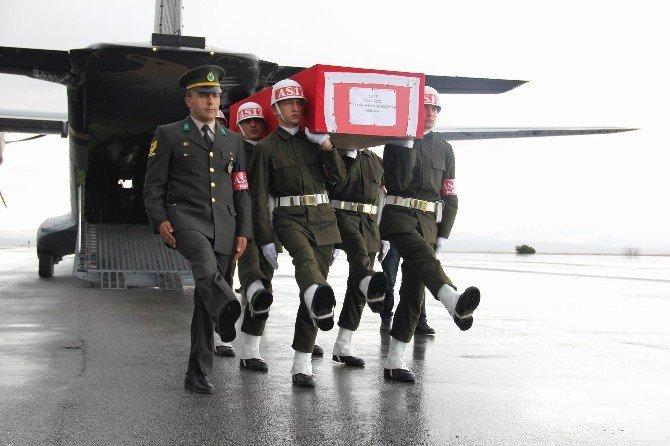 Şehit Astsubay Memleketi Sivas'ta Gözyaşlarıyla Karşılandı
