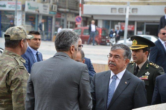 Milli Savunma Bakanı İsmet Yılmaz Kilis'te