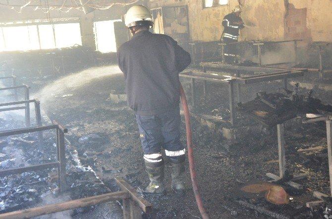 Nazilli'deki Yangında İşyeri Küle Döndü