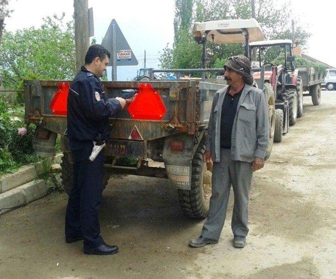Ödemiş'te Güvenli Traktör Eğitimleri Sürüyor