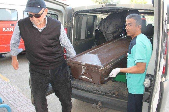 Fethiye'de Sahilde Erkek Cesedi Bulundu