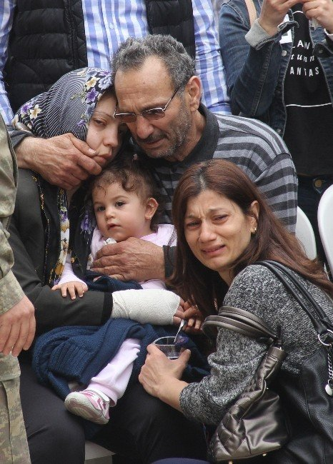 19 Aylık Şehit Kızından En Acı Uğurlama