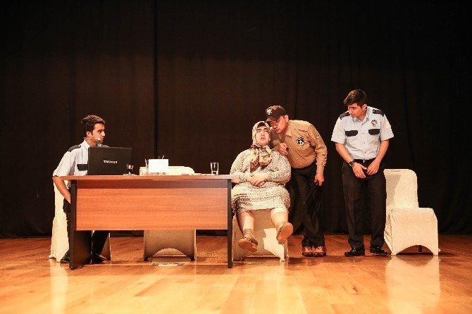 Şehitkamil'de Tiyatro Ve Sinema Günleri Başladı