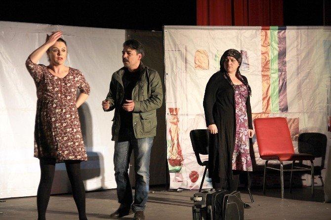 'Hepgül Aysel' Tiyatro Oyunu Büyük Beğeni Topladı