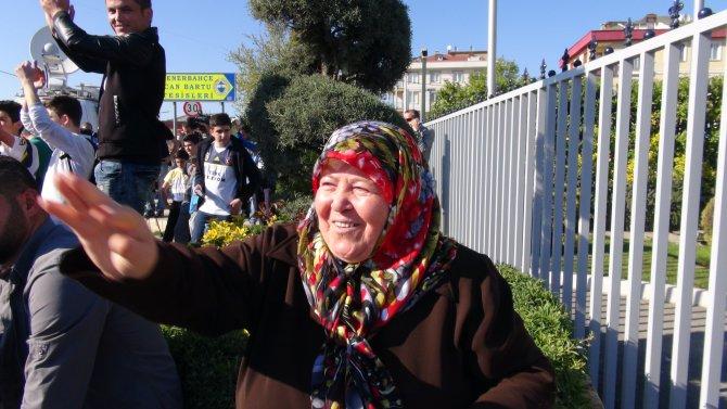 Fenerbahçe, derbi için tesislerden ayrıldı