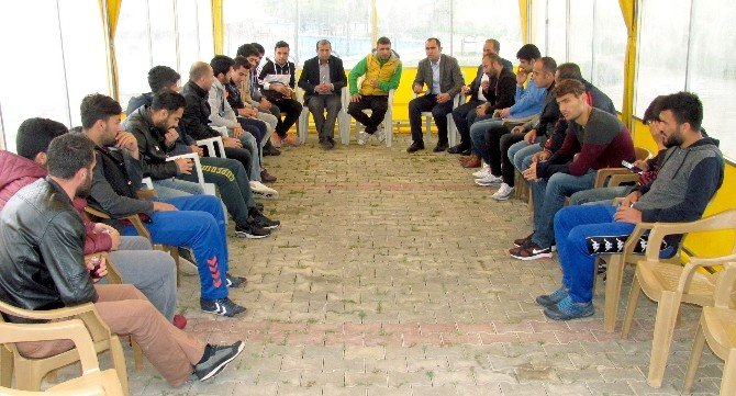Araban Belediyespor Futbolcularına Kebap Ziyafeti