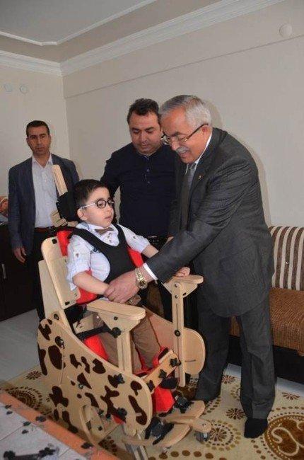 5 Yaşındaki Mustafa'nın Yürüyebilmesi İçin Umut Işığı