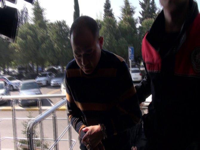 THY hostesleri uçaktaki hırsızları suçüstü yakaladı