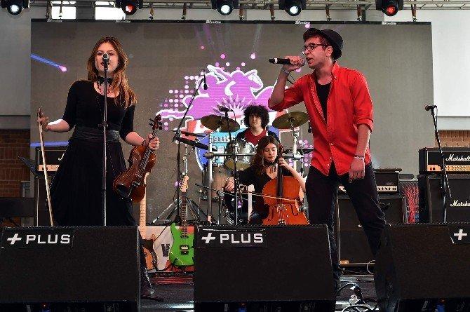 Aydın'dan 10 Lise İzmir'de Sahne Aldı