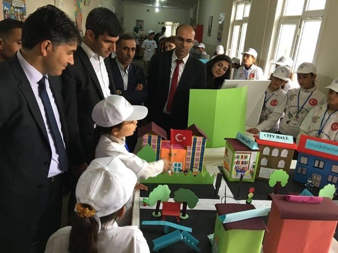Viranşehir'de Ekindöver, Ortaokulu TUBİTAK Bilim Fuarı Açtı