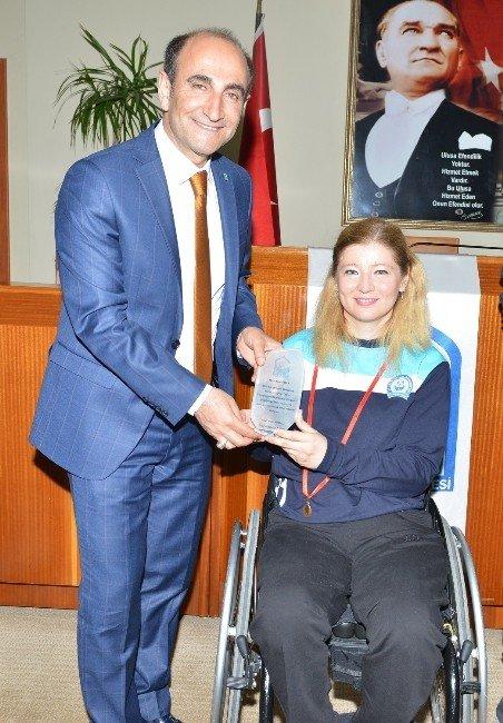 Engelli Atıcıdan Tam İsabet