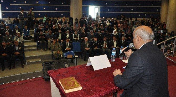 Doç. Dr. Hamdi Gündoğar Sincik'te Konferans Verdi
