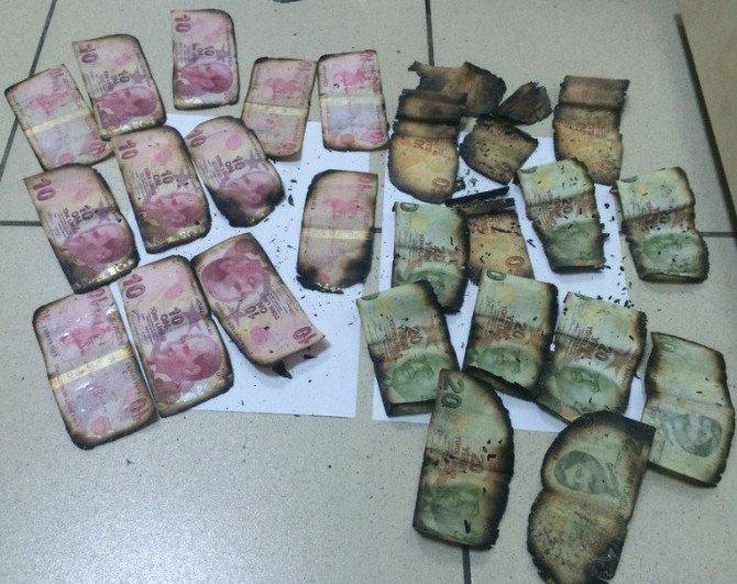 Polisi Gören Uyuşturucu Tacirleri Para Ve Uyuşturucuyu Yakmak İstedi