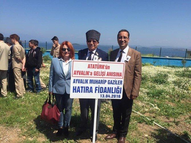 Atatürk'ün Ayvalık'a Gelişinin Anısına Gaziler Fidan Dikti