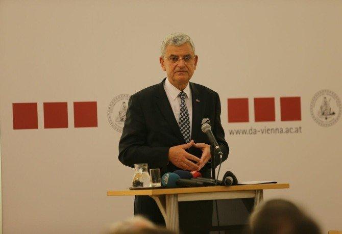 AB Bakanı Bozkır, Avusturya'nın Başkenti Viyana'da Konferans Verdi