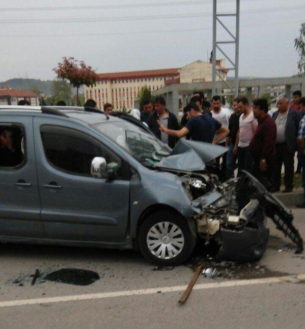 Bartın Çevre Yolunda Kaza: 1 Yaralı